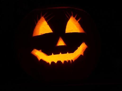 Consejos de seguridad de la Policía especialmente enfocados a la celebración de Halloween.