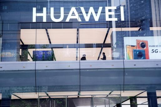 Vista de una tienda de Huawei en Shenzhen.