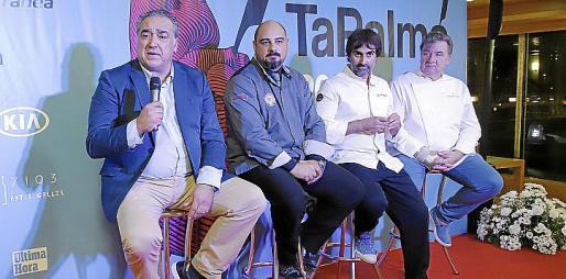 Alfonso Robledo, Juan Antonio García, Igor Rodríguez y Koldo Royo, en el escenario.