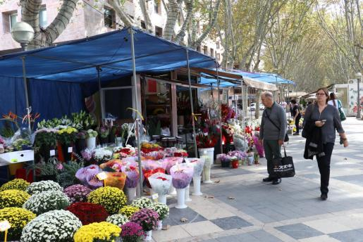 Un puesto de flores en Palma.