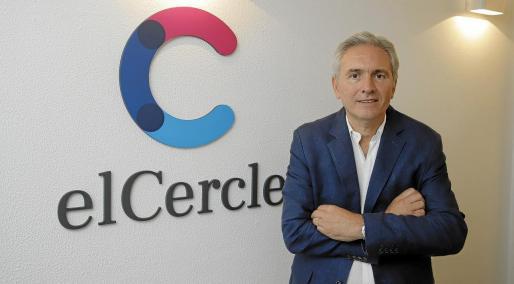 "Vicens es doctor en medicina ""Cum laude"" por la Universitat Autònoma de Barcelona."