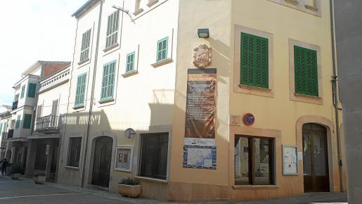 El piso que ocupa el secretario desde hace 30 años sin coste alguno está ubicado en un edificio propiedad del Ajuntament de Santanyí.