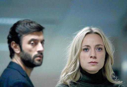 Javier Rey y Ángela Cremonte son la pareja protagonista de la serie 'Mentiras'.