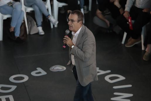 Juan Pedro Yllanes durante su intervención en el mitin del candidato de Unidas Podemos, Pablo Iglesias, en Palma.