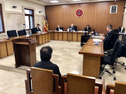 El acusado, durante el juicio celebrado el pasado septiembre en la Audiencia de Palma.