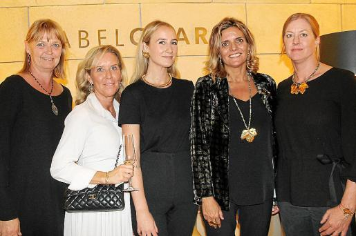 Camille Alverus, Nina Zetterberg, Paula Hurtado, Isabel Guarch y Jessica Ivarsson.