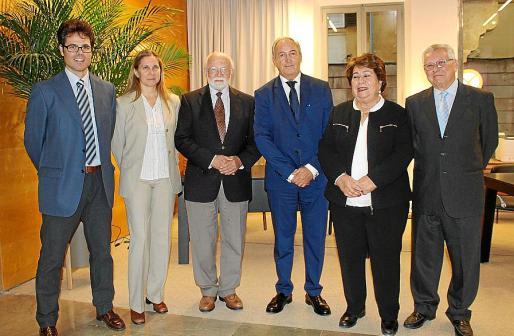 Alberto Torres, María Luisa Marí Cava de Llano, Román Piña Homs, Martín Aleñar, María Luisa Cava de Llano y Juan Antonio Marí.
