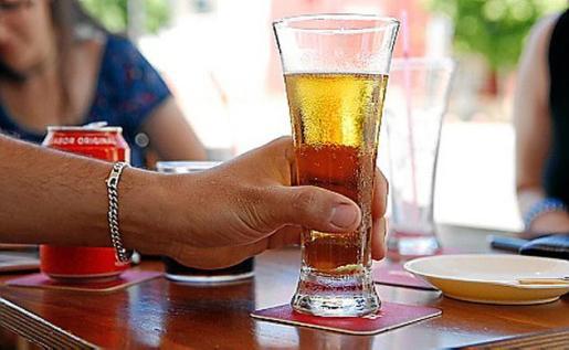 Un detective señaló en el juicio que la mujer tomó dos cervezas.