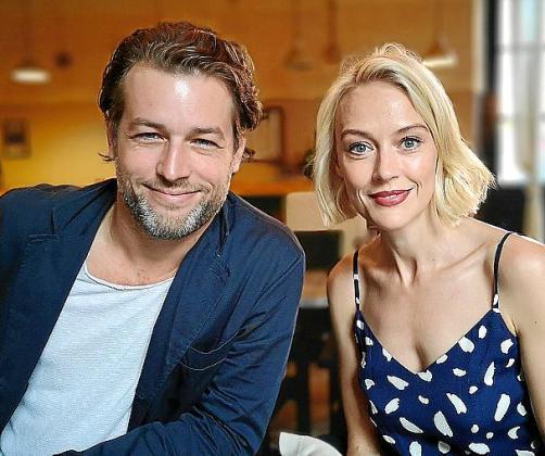 Julian Looman y Elen Rhys, protagonistas de la serie, hace tan solo una semana en el festival Evolution!.