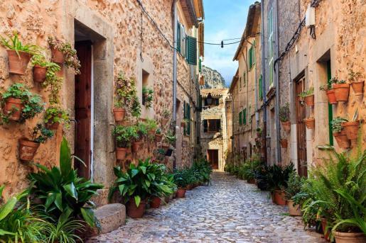 Pasear por Valldemosa es una de las mejores opciones del otoño en Mallorca.