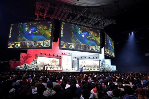 Público asistente a las semifinales de G2ESPORTS contra T2 TELEKOM, durante la partida disputada en el campeonato mundial de League of Legends.