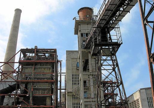Endesa solicitó hace más de tres años derribar la vieja central de Alcanada por razones de seguridad.