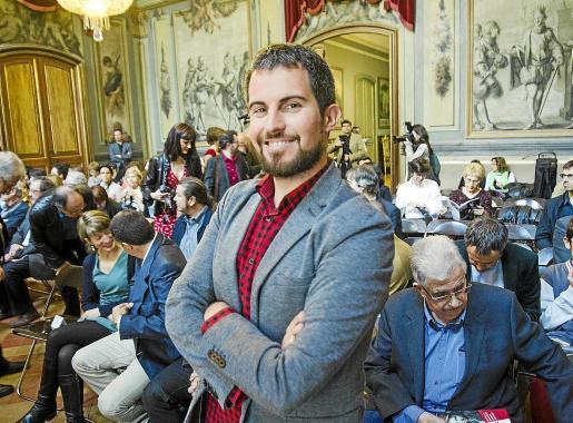 El escritor mallorquín Jaume C. Pons Alorda estrena novela, titulada 'Ciutat de Mal'.