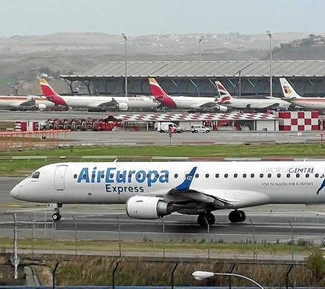 La compra de Air Europa y sus filiales por parte de IAG propiciará que todas las operaciones aéreas de la compañía del grupo Globalia se canalizarán en Madrid a través de la T-4.