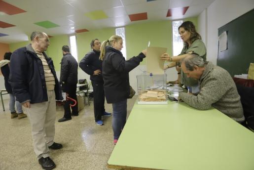Imagen de un colegio electoral de Palma.