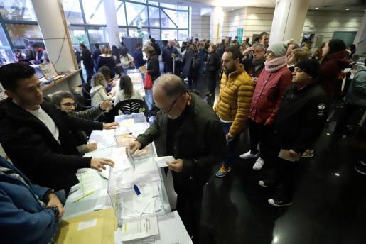 Imagen de un colegio electoral en Palma.