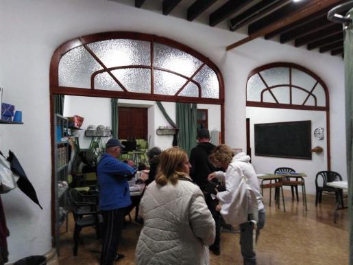 Imagen de un colegio electoral en Llucmajor.