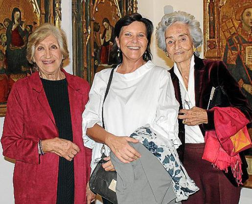 Concha Marqués, Maena Juan Orlandis y Eleonor March.