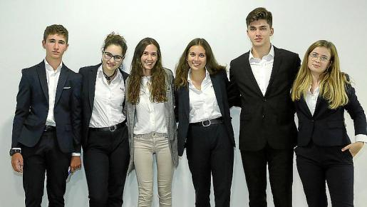 Diego de Sotto, Violeta Clar, Carmen Domínguez, Paulina Moody, Cristin Bucsa y Aina Bover, del Ágora Portals.