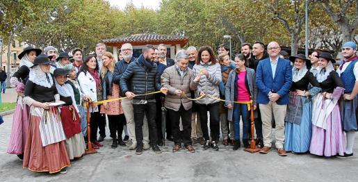 Las autoridades inauguraron de forma oficial el Dijous Bo de Inca.