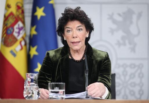 La ministra Portavoz, y de Educación y Formación Profesional en funciones, Isabel Celaá, en rueda de prensa.