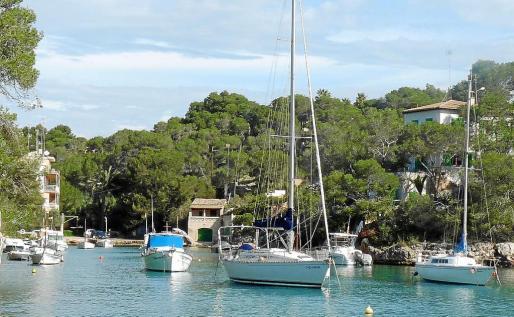 El puerto de Cala Figuera y el Caló d'en Boira son dos de las zonas con más encanto del municipio.