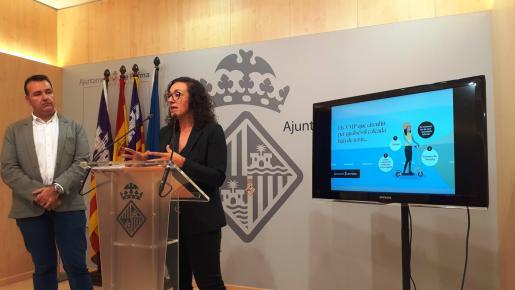 Francesc Dalmau y Joana Maria Adrover, durante la rueda de prensa.