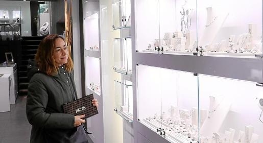 Lucía Manzanedo invirtió el premio del sorteo en recuperar un pendiente con un gran valor sentimental.