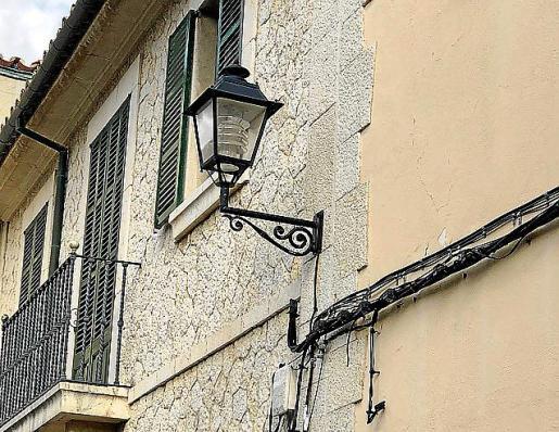 Las bombillas LED se instalaron en el alumbrado público.