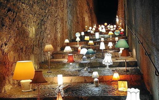 Las lamparas de la 'Llum del Purgatori' fueron de las más fotografiadas.