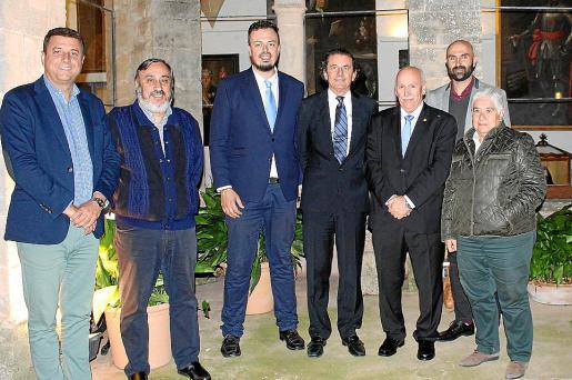 Bartolomé Deyá, Miquel Torres, Jaume Salvá, Alfonso Bauzá de Mirabó, Nadal Torres, Jaume Mayol y Margalida Pons.