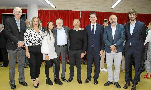 Pedro Comas, Ángels Alfara, Nayara Monserrat Alfara, Tomás y David Monserrat, Fernando Gilet, Andreu Serra y Carles Gonyalons.