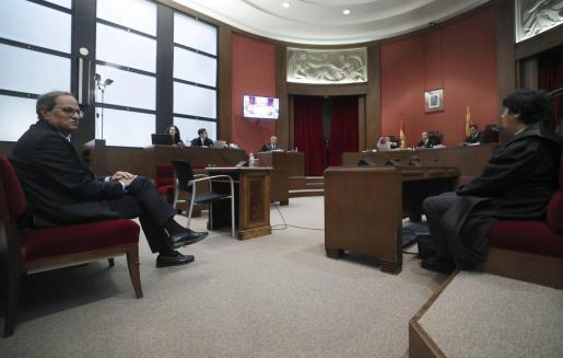El president de la Generalitat, Quim Torra, en el banquillo del Tribunal Superior de Justicia de Cataluña.