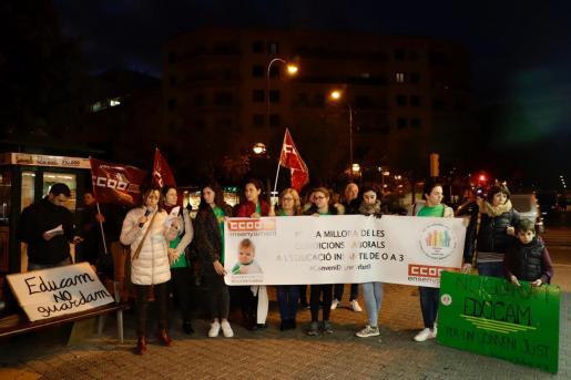 Protesta en Palma de las trabajadoras de las 'escoletes'.