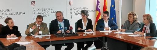 Martí March y Llorenç Huguet presentaron este lunes la aportación económica del Govern a la UIB para 2020.