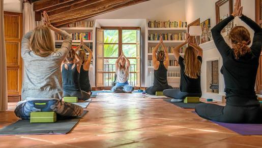 Imagen de una sesión de yoga.