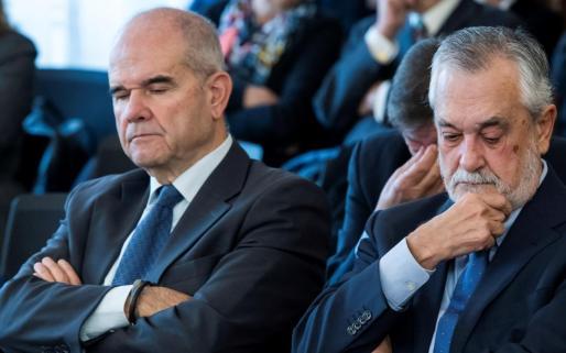 Resultado de imagen de expresidente de la Junta de Andalucía José Antonio Griñán