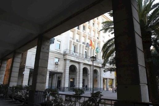 Imagen de la fachada de la Audiencia Provincial de Sevilla.