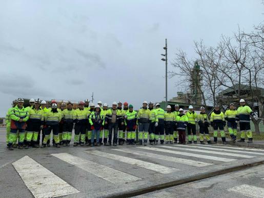 Protesta de los trabajadores cuando se anunció el cierre de Cemex.