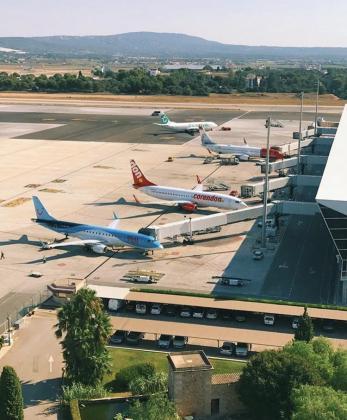 Imagen de archivo de aviones en el aeropuerto de Son Sant Joan.
