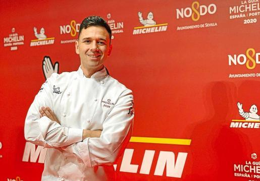 Álvaro Salazar, con la chaquetilla que le hace acreedor de una estrella Michelin.