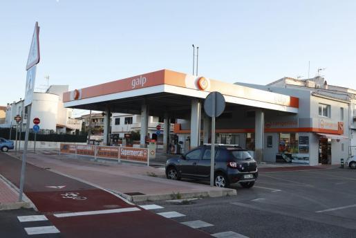 Resultado de imagen de Los sindicatos convocan dos días de huelga en las gasolineras durante el puente de diciembre
