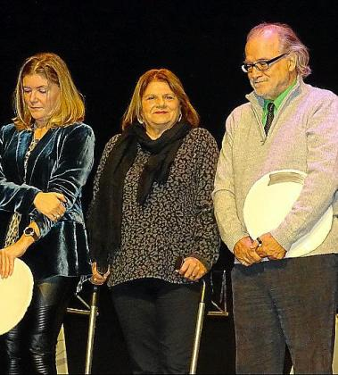 Magdalena Mesquida, Lydia E. Corral y Andreu Manresa, premiados.