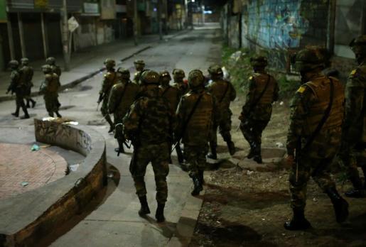 Este viernes se decretó un inédito toque de queda en Bogotá, capital de COlombia.