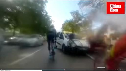 Un momento del atropello de tres ciclistas registrado el pasado sábado en Palma.