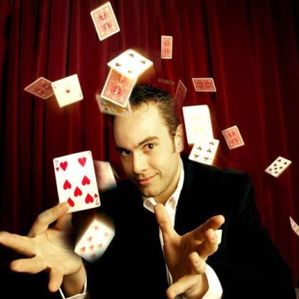 El mago Jorge Blass presenta nuevo show.