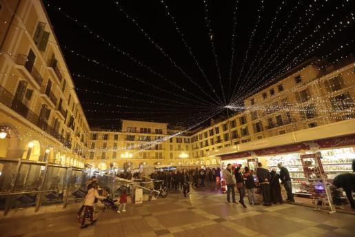 encesa llums de nadal  mercadets la rambla i plaa espanya  FOTO: BOTA