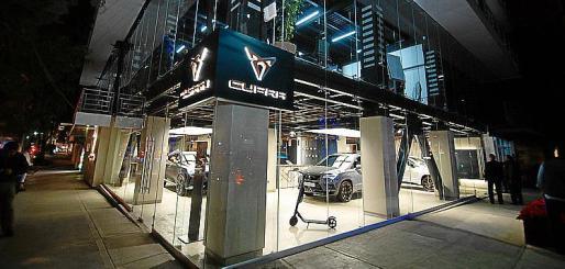 El CUPRA Garage se encuentra en una exclusiva zona de la ciudad.