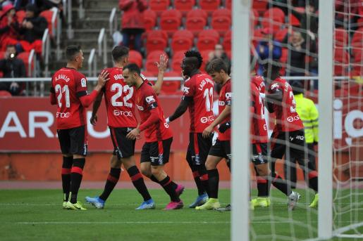 Los jugadores del Mallorca celebran un gol durante el último partido en Son Moix contra el Villareal.