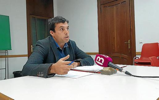 El abogado Martí Cànaves explicó este viernes la denuncia.